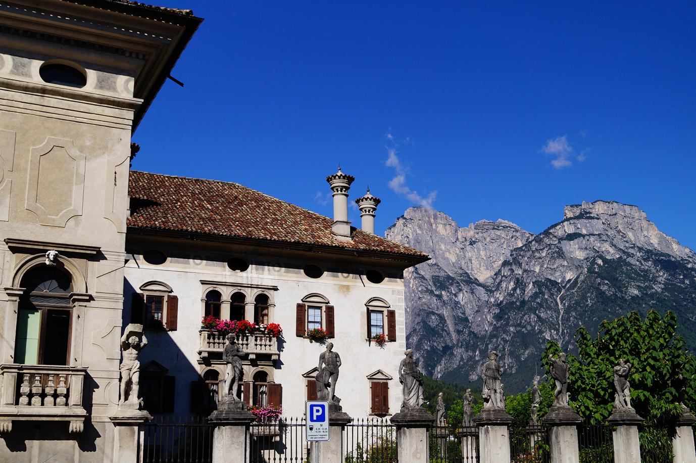 Palazzo De' Manzoni